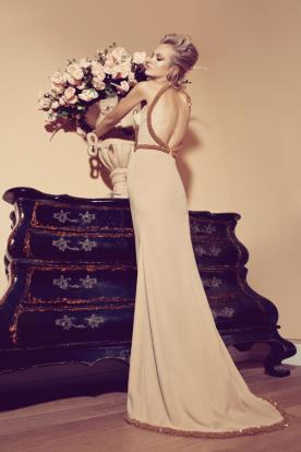 שמלת ערב חלקה גב פתוח וחרוזים