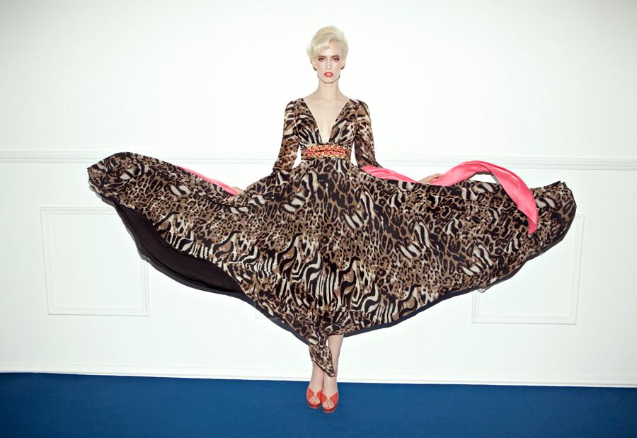 שמלת ערב הדפס חיה וצבע ורוד