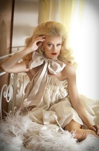 איפור ושיער: איפור כלות, תסרוקת כלה, תסרוקת שיער פזור, תסרוקת לשיער גלי, שיער בלונדיני, איפור וינטאג', איפור לעור בהיר - אלי גולן