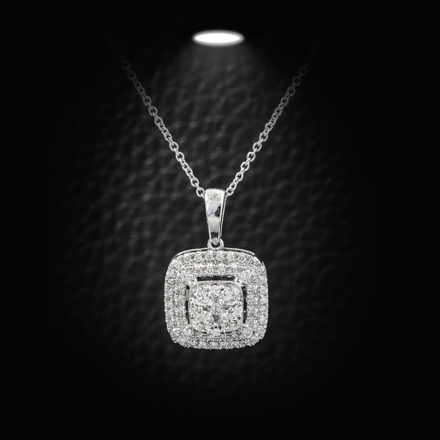 תליון ריבועי משובץ יהלומים