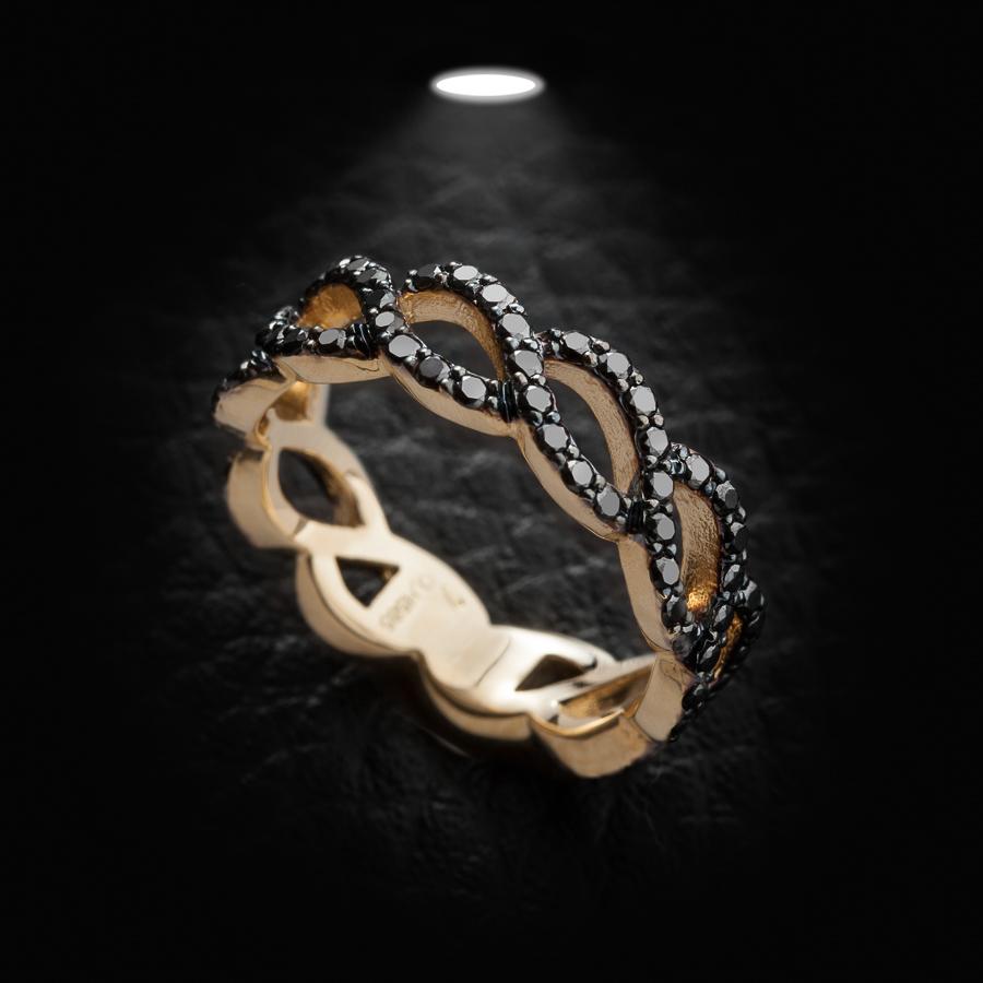 טבעת אירוסין יהלומים שחורים
