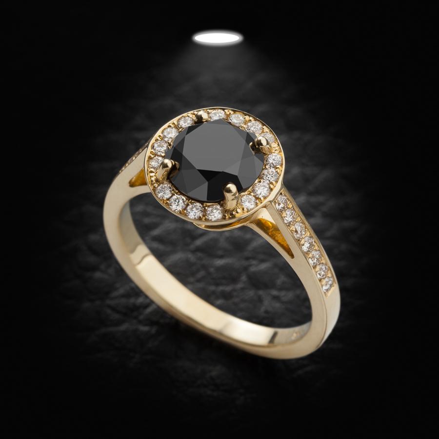 טבעת אירוסין יהלום שחור עגול