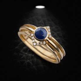 טבעת אירוסי אבן כחולה ויהלומים