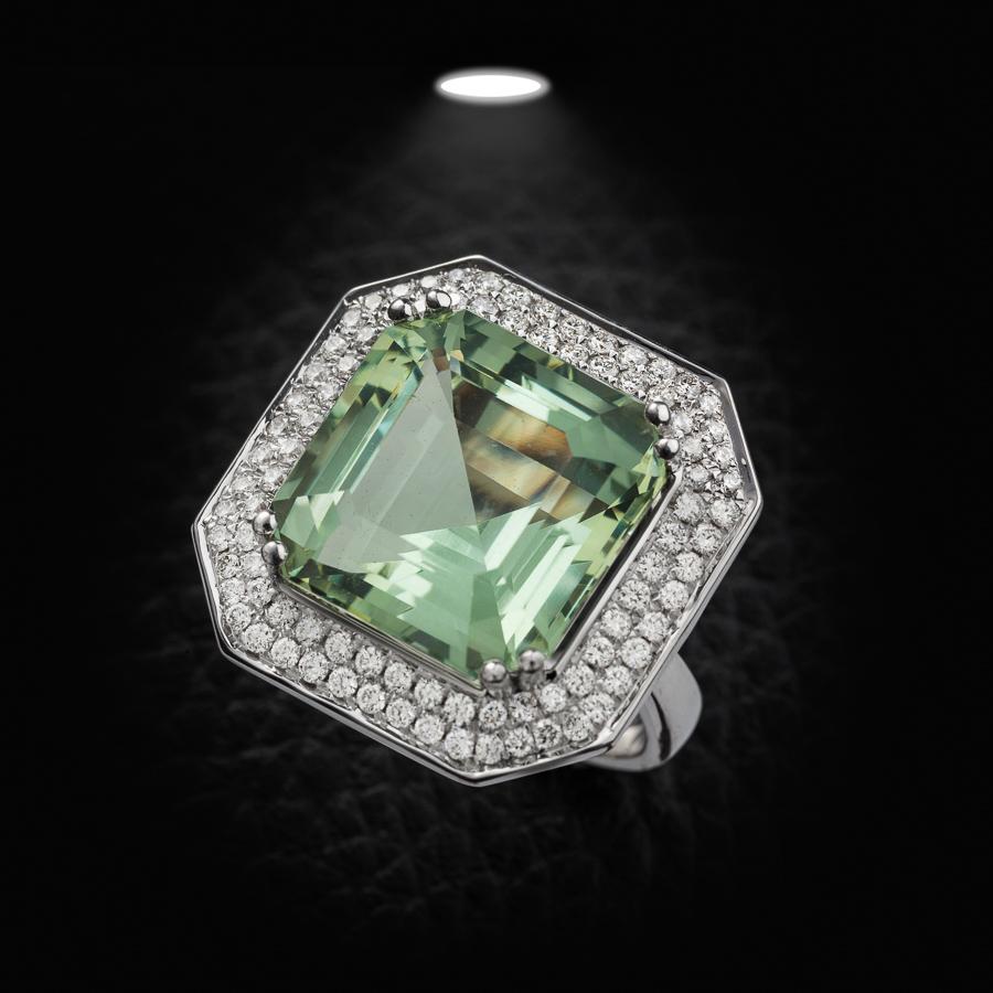 טבעת אירוסין יהלום ירוק