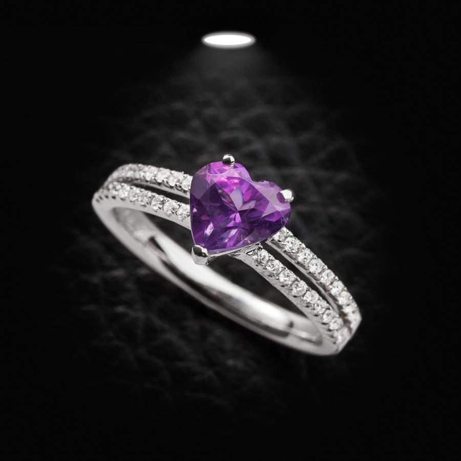 טבעת אירוסין לב סגול