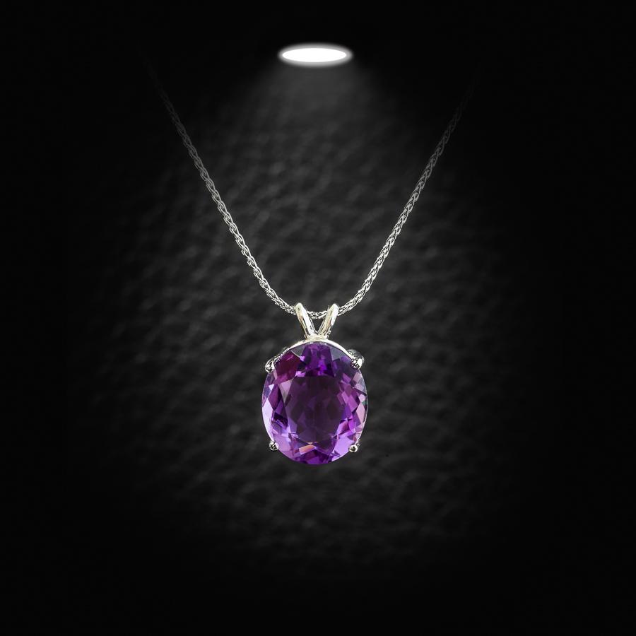 תליון יהלום סגול עדין