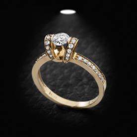 טבעת אירוסין עם גשרים