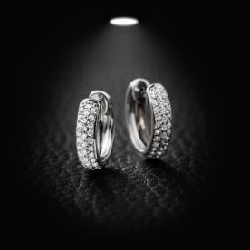 עגילי טבעת משובצים יהלומים