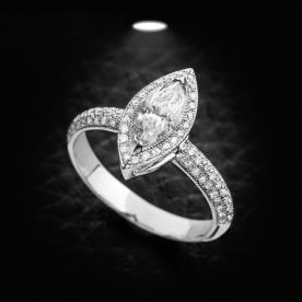 טבעת אירוסין יהלום אובלי