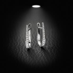 עגילי יהלומים בצורת נבל