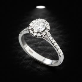 טבעת אירוסין יהלום עגול מוגבה