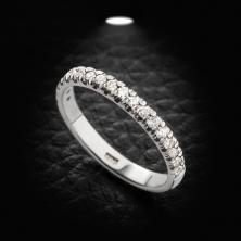 טבעת אירוסין שורת יהלומים אחת