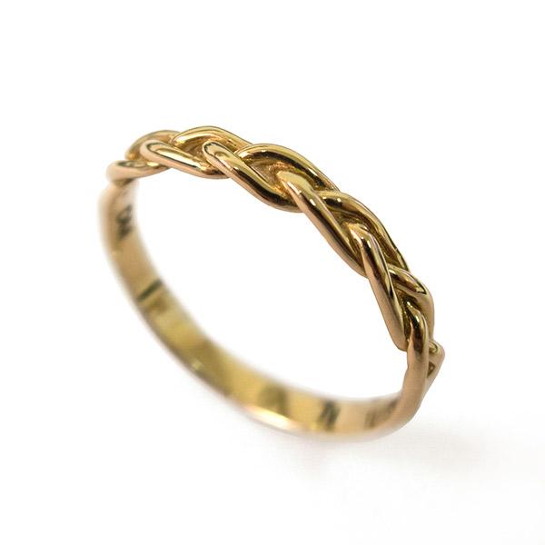 טבעת זהב עדינה קלועה