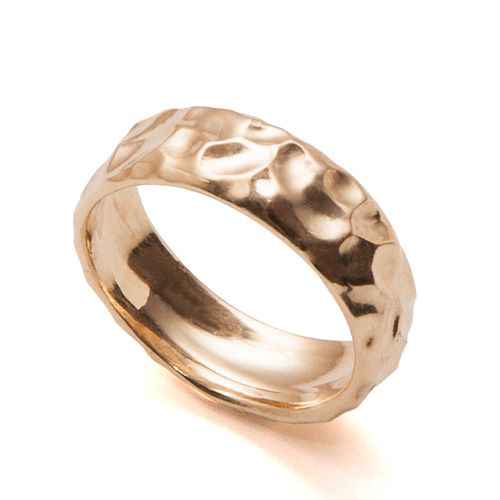 טבעת זהב רקועה לגבר