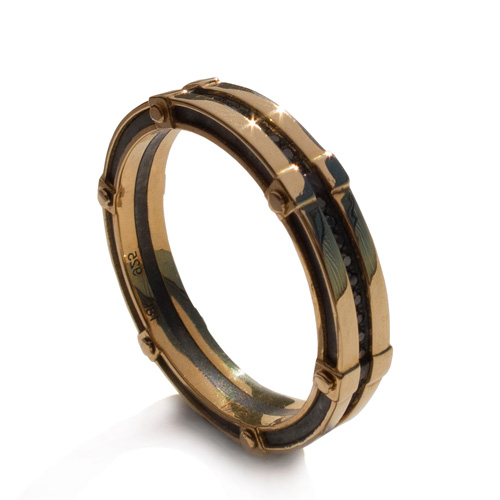 טבעת נישואין עדינה לחתן