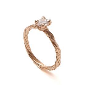 טבעת זהב סוליטייר עכשווית