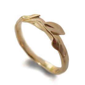 טבעת זהב אירוסין לכלה