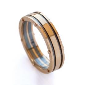 טבעת זהב מעוטרת לחתן