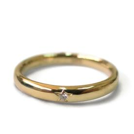 טבעת אירוסין מעוטרת כוכב