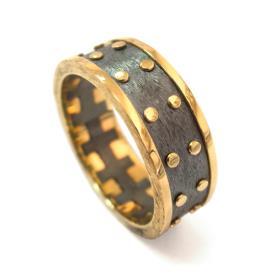 טבעת חתן מעוטרת עיגולים