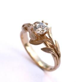 טבעת אירוסין זהב עלים