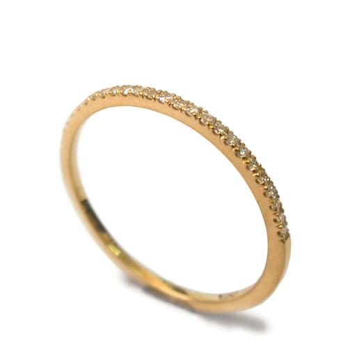 טבעת חישוק מעוטרת יהלומים