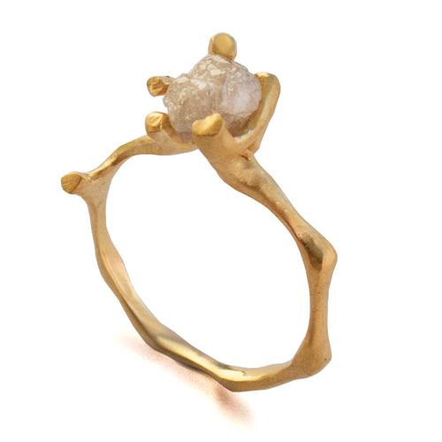 טבעת אירוסין ייחודית עדינה