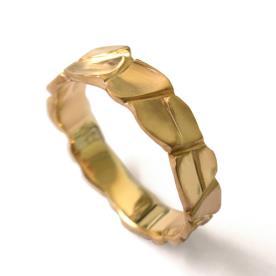 טבעת זהב עדינה מודרנית