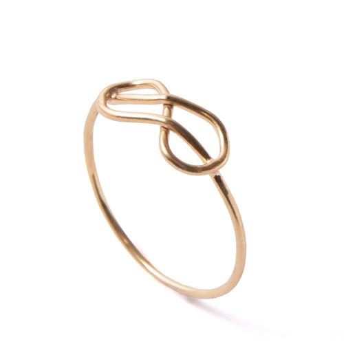 טבעת זהב דקה עדינה