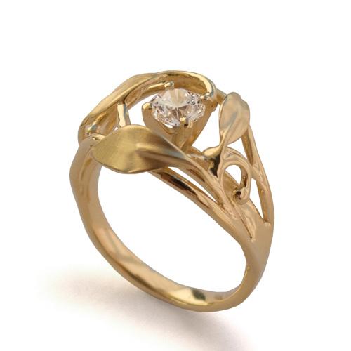 טבעת עבה מעוטרת עלים