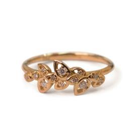 טבעת זהב בעיצוב עדין