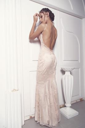 שמלת כלה רומנטית בצבע ורוד עתיק