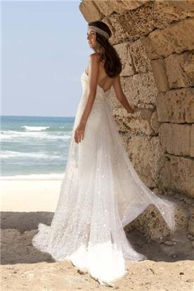 שמלת כלה: שמלה בסגנון רומנטי, שמלה עם תחרה, שמלה עם גב חשוף, שמלה בצבע לבן - Wedding dresses  רחלי T&R