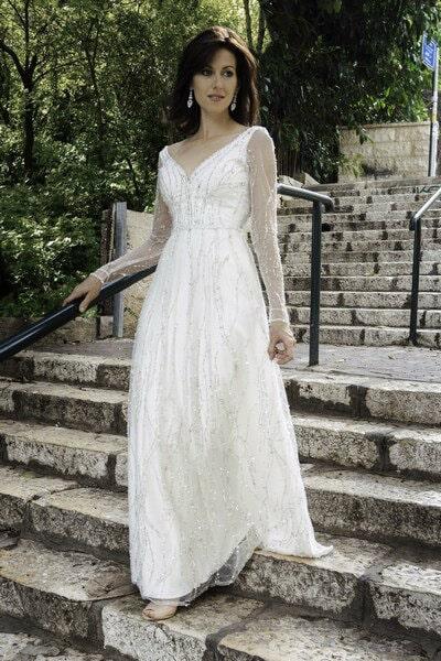 שמלת כלה עם שרוולים עם אבנים