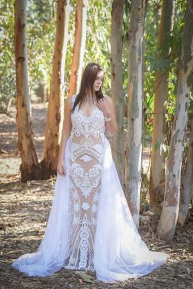 שמלת כלה מקסי בצבעי ניוד ולבן