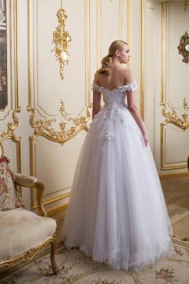 שמלת כלה רומנטית גב חשוף