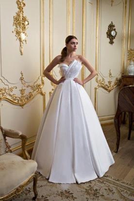 שמלת כלה אסימטרית חצאית קפלים