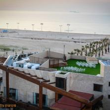איזור החופה על הבניין עם נוף לים