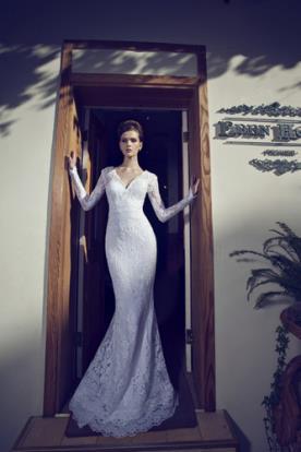 שמלת כלה עם שרוולים תחרה צפופה
