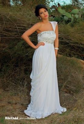שמלת כלה שרוול אחד כיווצים ואבנים