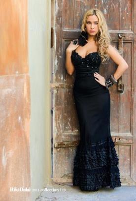 שמלת ערב שחורה מיוחדת