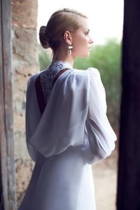 שמלת כלה שרוול ארוך ותחרה בגב