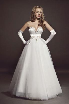 שמלת כלה מחוך סטרפלס נסיכתית