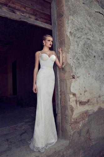 שמלת כלה תחרה צמודה קלאסית