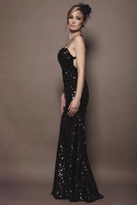 שמלת ערב שחורה מחורזת נצנצים