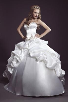 שמלת כלה נסיכתית רחבה