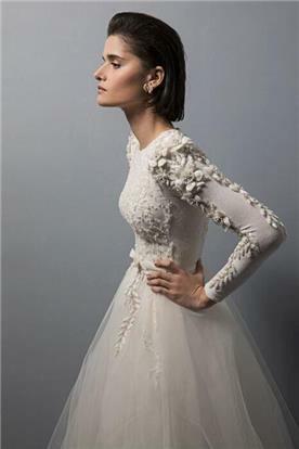 שמלת כלה צנועה - תקריב