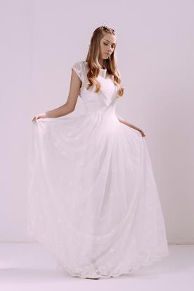 שמלת כלה צנועה שרוולים קצרים
