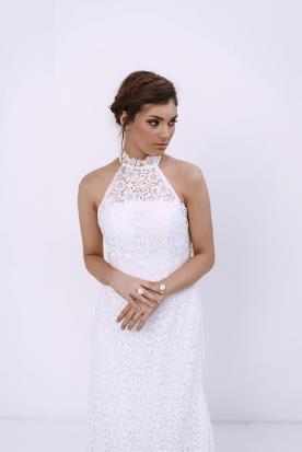 שמלת כלה קולר עם תחרה אלגנטית