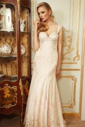 שמלת כלה ורודה רומנטית